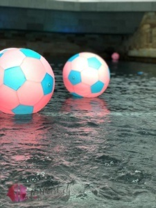 bälle im wellenbad im splash & Spa tamaro
