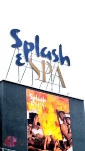 Splash & Spa Logo von aussen in Tamaro